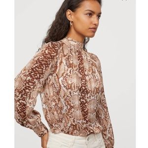 [H&M] Snake print blouse
